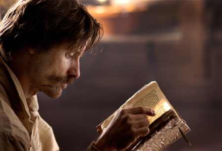 Viggo Mortensen em Alatriste (bruto com a espada, mas sabe ler!)