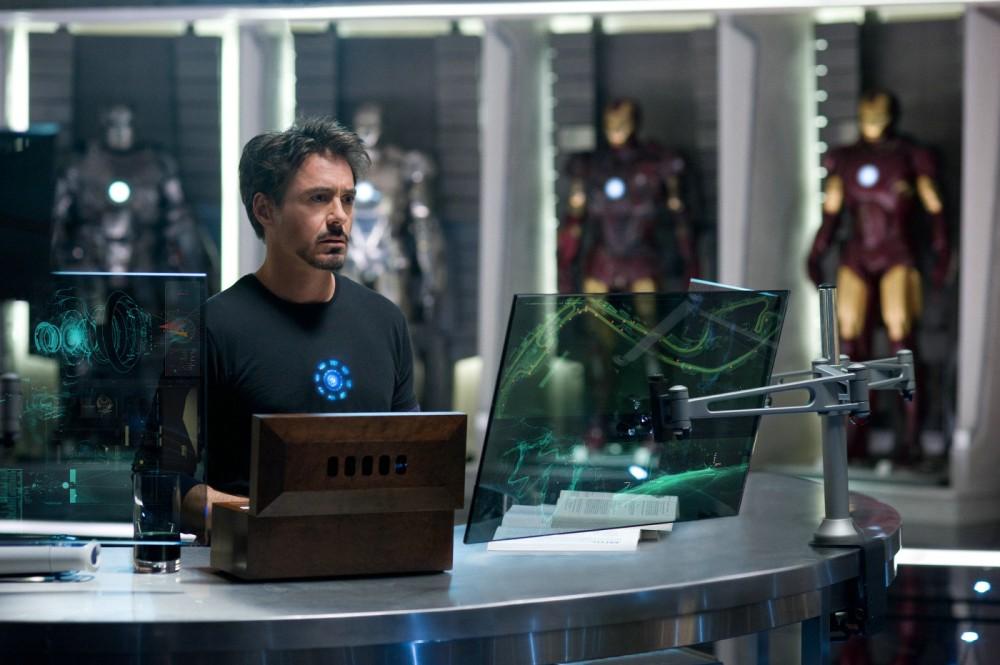 Tony Stark tira onda que é cientista espacial... (2/6)