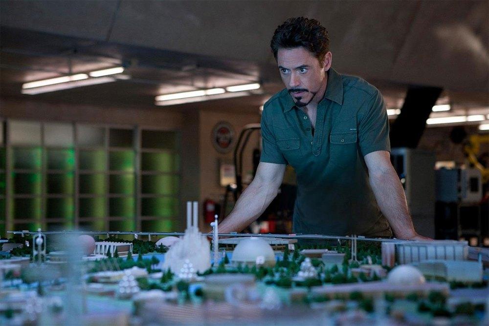 Tony Stark tira onda que é cientista espacial... (3/6)