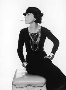 Coco Chanel clicada por Man Ray