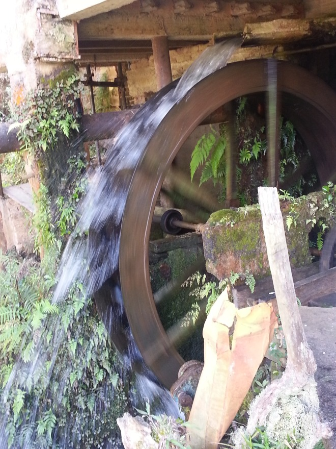 Invenções da chamadaidade das trevas: moinho de pedra